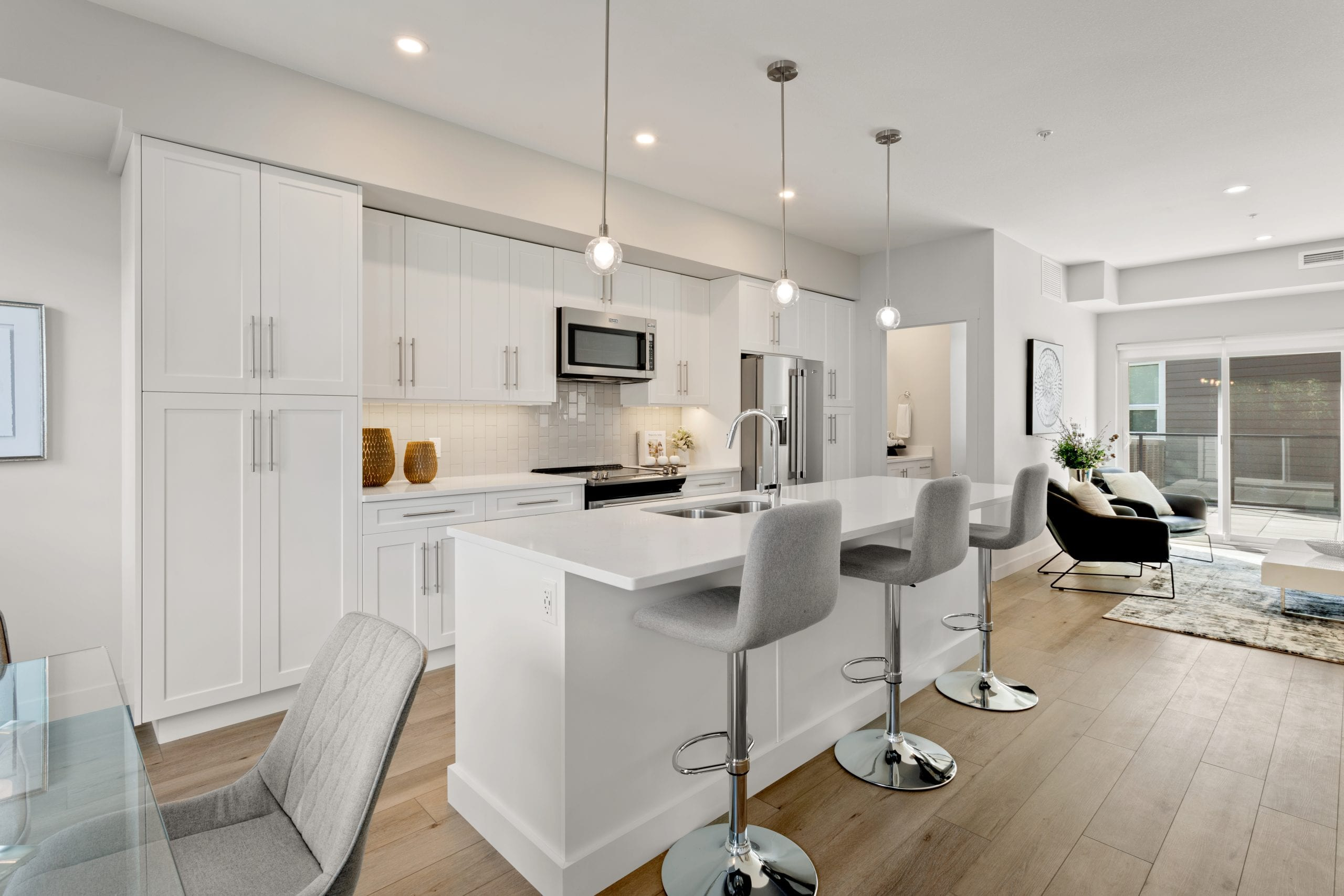 Kitchen, bright, open concept, modern